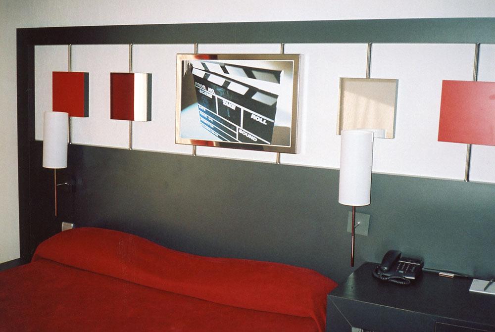 Panneautage mural panneautage mural bois with panneautage for Meuble mural classique sims
